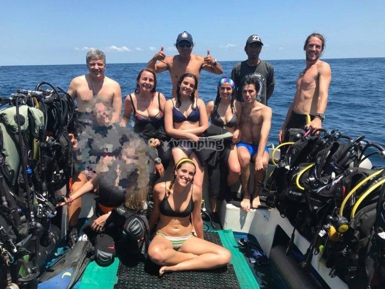 Salida en barco para grupos de buceadores Arona