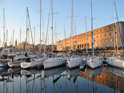 Barcelona Yacht 294