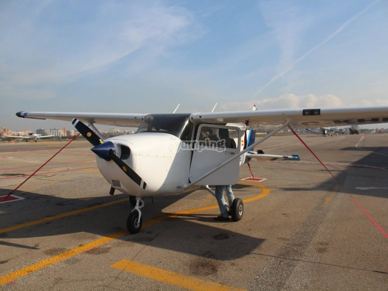Flying experience in Barcelona