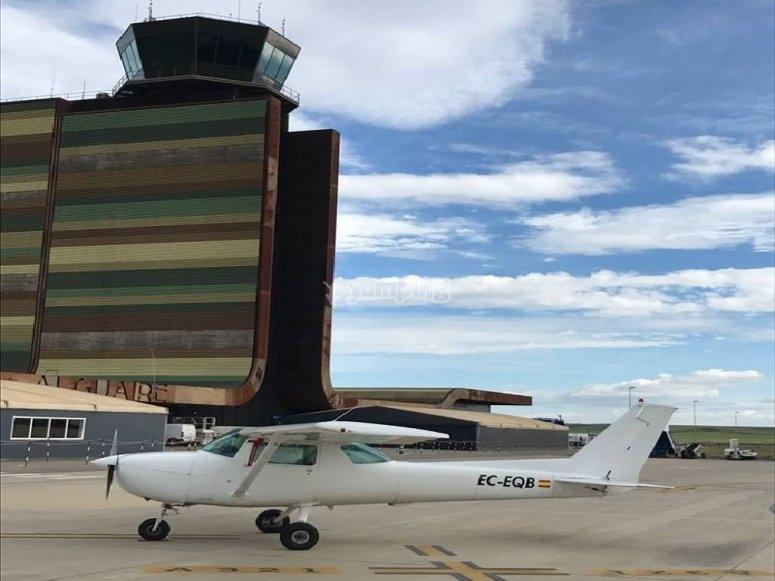 Piloting classes light aircraft Sabadell