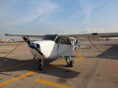 Light aricraft flying course 4 hours Sabadell