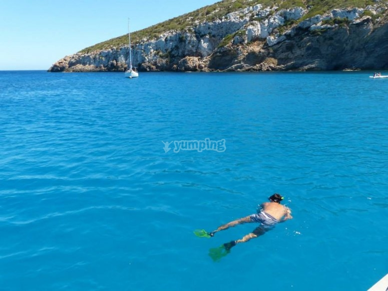 Sailboat trip and snorkel Es Caragol