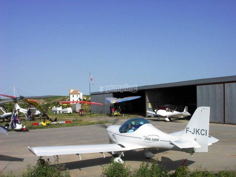 Preparing the plane for skydiving