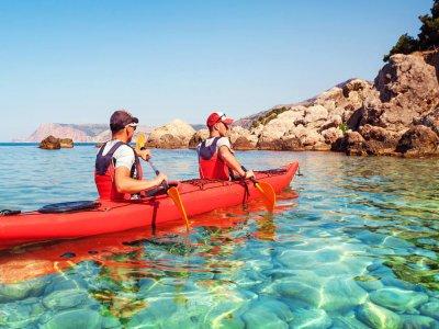 穿过Cabo de Gata的皮划艇路线3小时