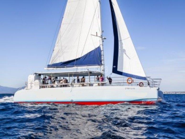 Un paseo mediterráneo en catamarán