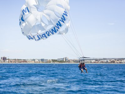 Parascending in the Bay of Palma 10 min and drinks