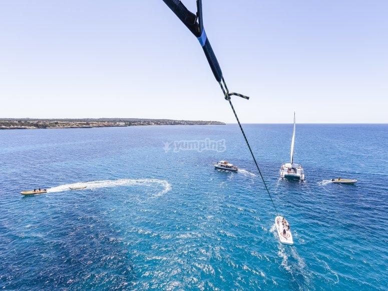 Actividades náuticas vistas desde el parasailing
