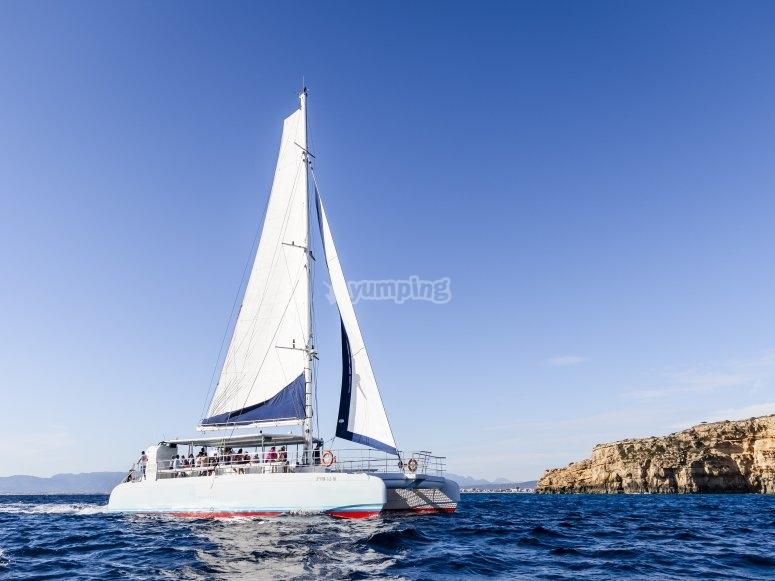 Tour en catamarán por Mallorca