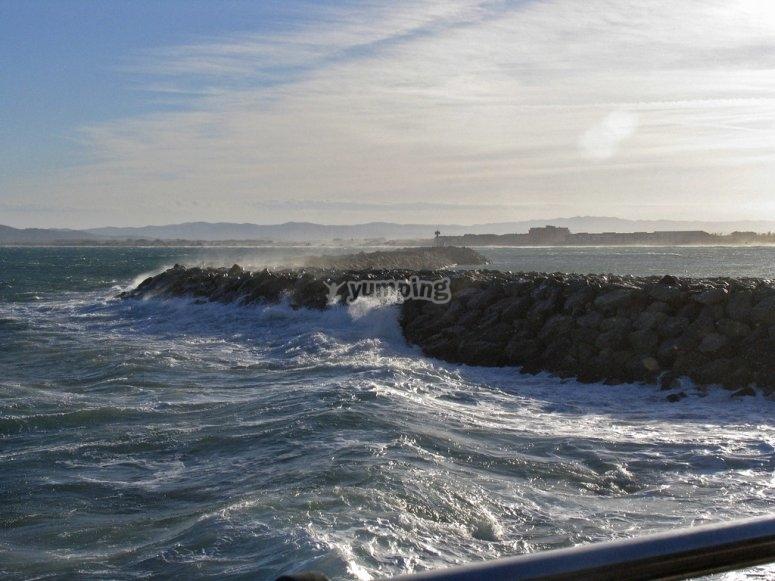 Las olas perfectas de Estartit para practicar windsurf