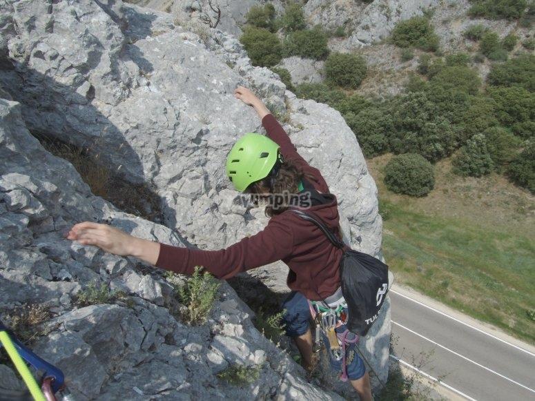 Rock climbing in the Villaverde area