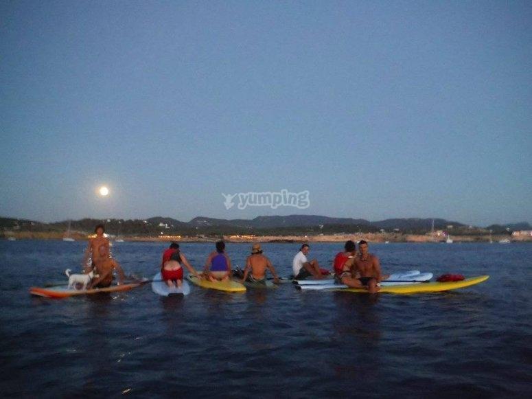 满月航线伊维萨岛的黄昏