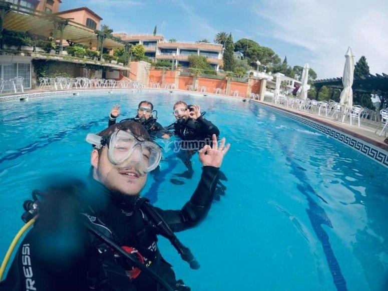 Práctica scuba diver en piscina Barcelona