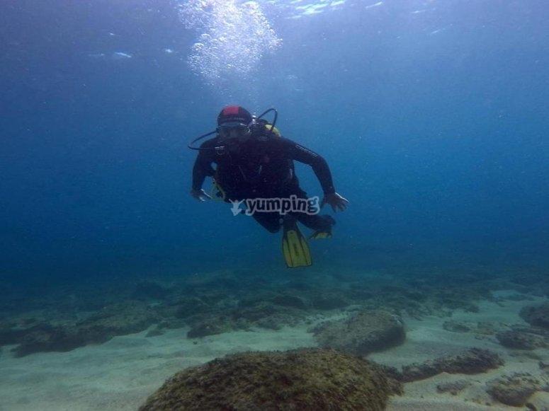 在30米深处的潜水冠军