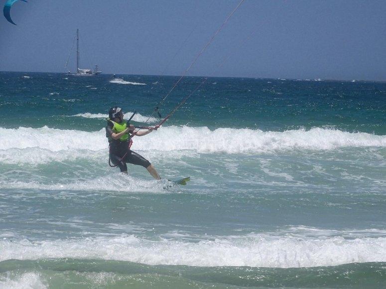风筝冲浪的动作在塔里费安水域