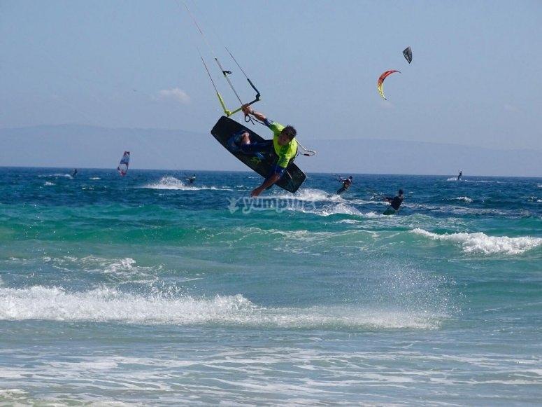 塔里费纳斯水域风筝冲浪专家