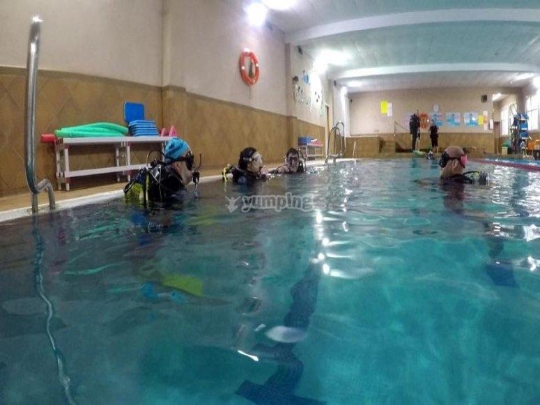 Buceo en aguas confinadas en Barcelona