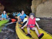 Denia海滩提供1小时皮划艇租赁服务