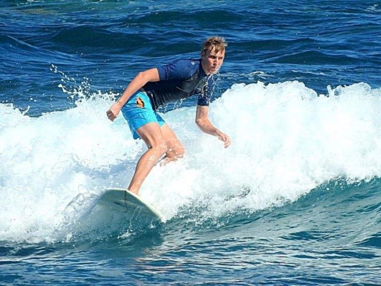Alquiler tabla principiante surf Puerto de la Cruz