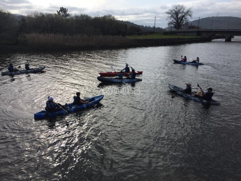 Conoce Ponteceso haciendo una ruta guiada en canoa