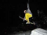 制作一个跳台滑雪