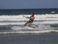 Disfrutando de un campamento de kitesurf