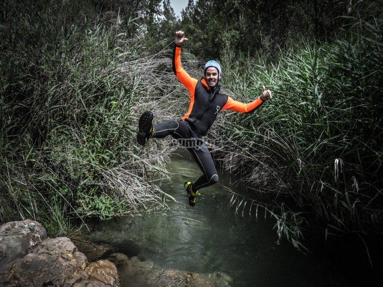 Saltando por las aguas del río Cabriel