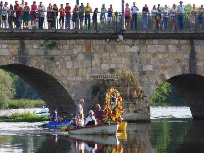 Alquila canoa biplaza en Salamanca