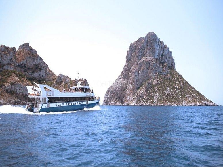 Recorriendo las islas en barco