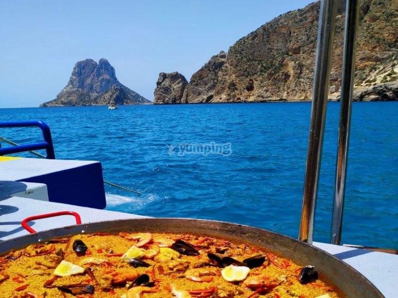 Una comida a bordo por las islas Baleares