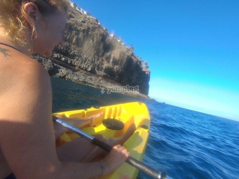 Salida en kayak por acantilados La Gomera