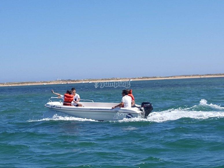 Attraversamento delle acque di Santander in barca