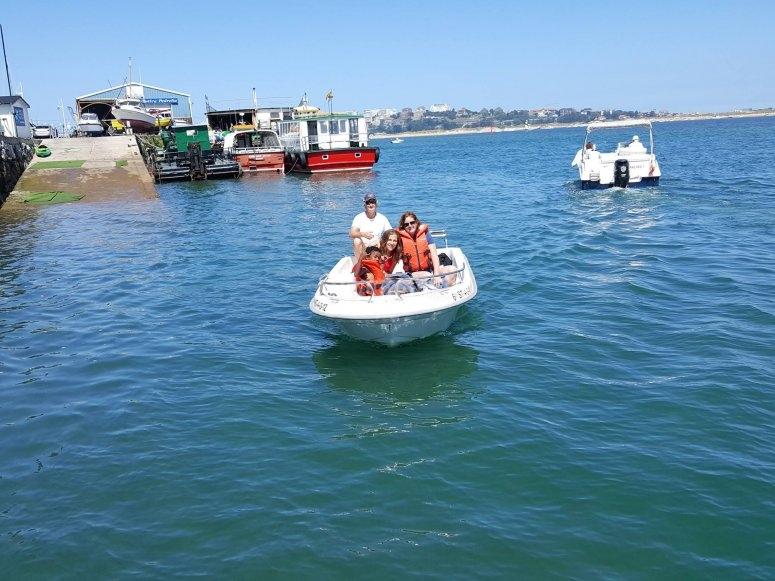 Día de mar en barco a motor