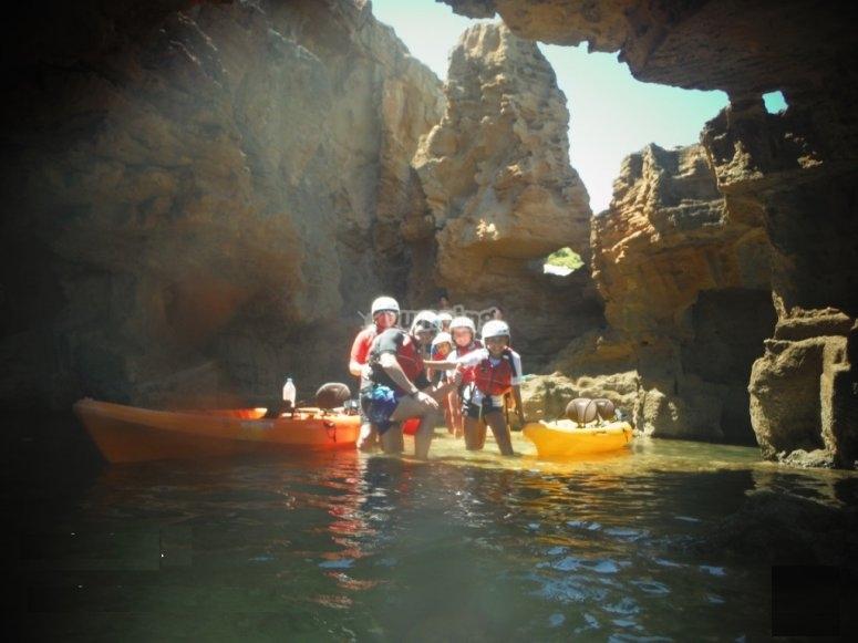 Expedición en kayak cova tallada