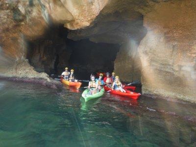 Ruta en kayak por la Cova Tallada y snorkel 3 h