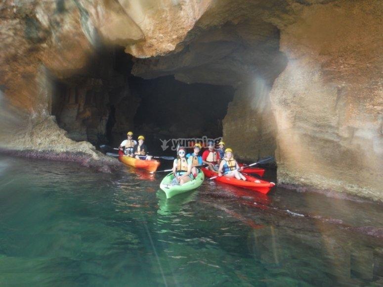 Ruta en kayak al atardecer cuevas Dénia