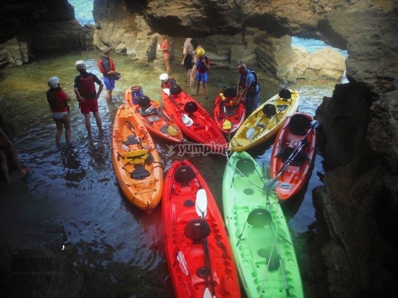 Expedición interior de cueva Dénia en kayak