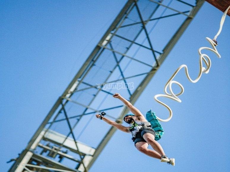 Jornada de bunjee jumping en el cielo gironés