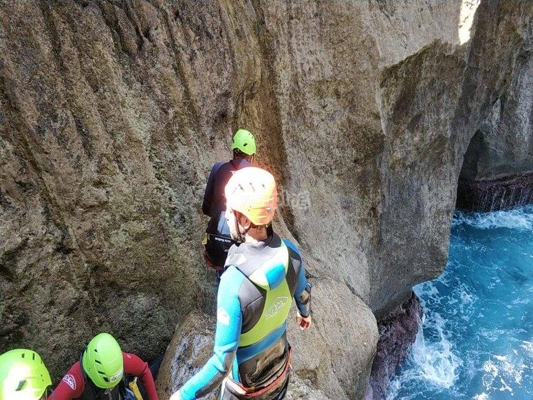 Barranquismo y aguas cristalinas en Mallorca