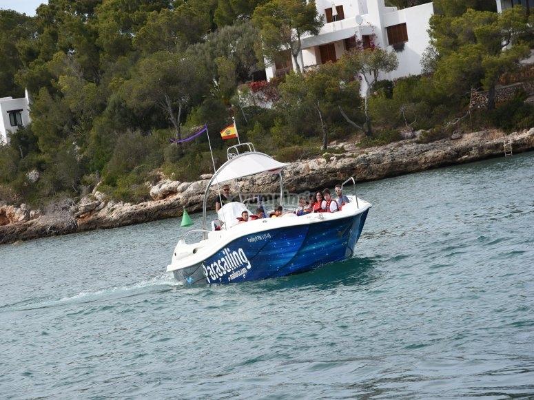 Gita in barca e parapendio Cala Petita