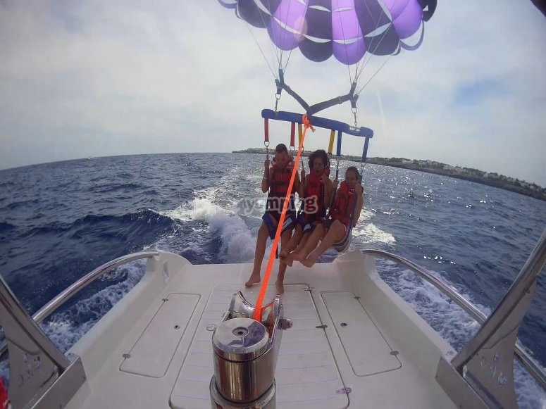 Parasailing for 3 in Mallorca