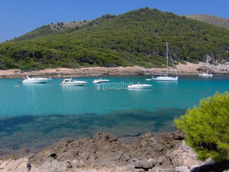 Paseo en barco y parascending en Mallorca