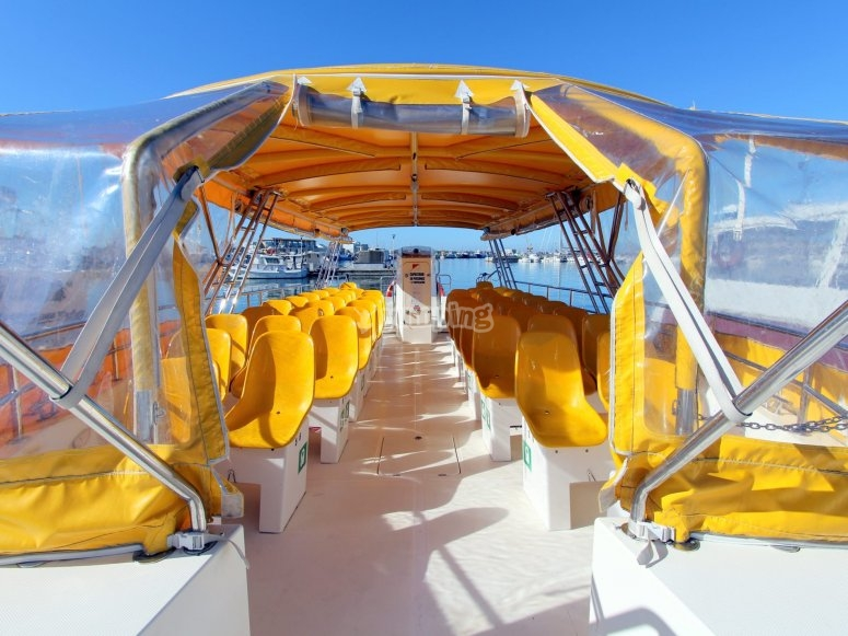 乘船前往塔巴卡(Tabarca)