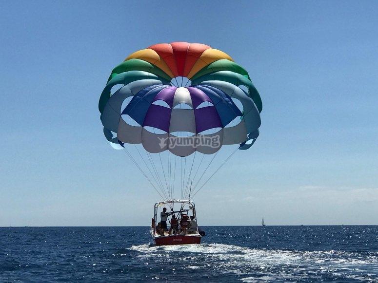 Momento previo al vuelo en parasailing Moraira