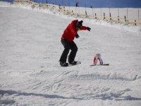 滑雪及滑雪板学校夏令营
