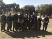 Foto de grupo antes del paintball