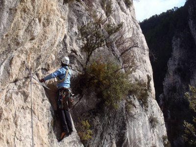 Climbing for beginners in Serranía de Cuenca