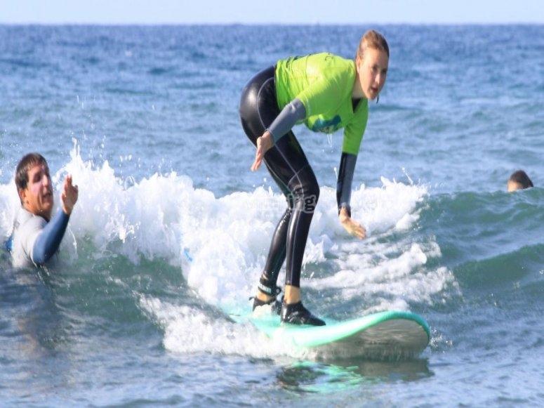 Aprender a hacer surf en Maspalomas