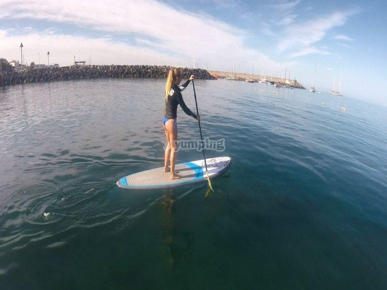 Clase de paddle surf en Maspalomas