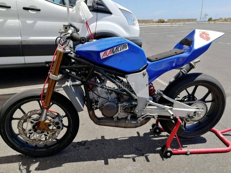 大加那利岛的摩托车驾驶课程