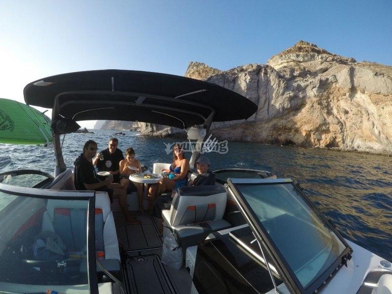 Ruta en barco y comida en Maspalomas